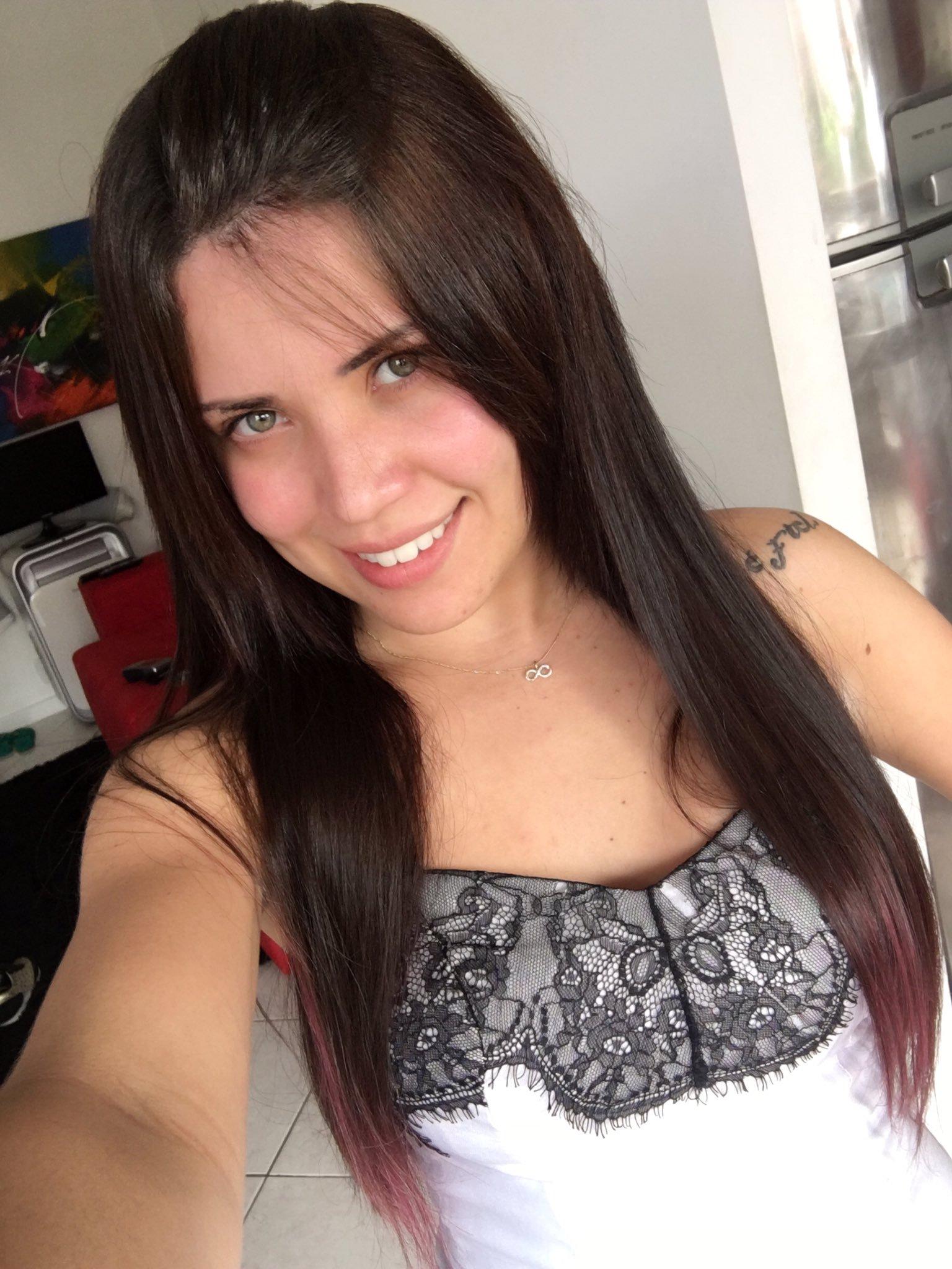 Fotos amadoras de Yasmin ninfeta garota de programa